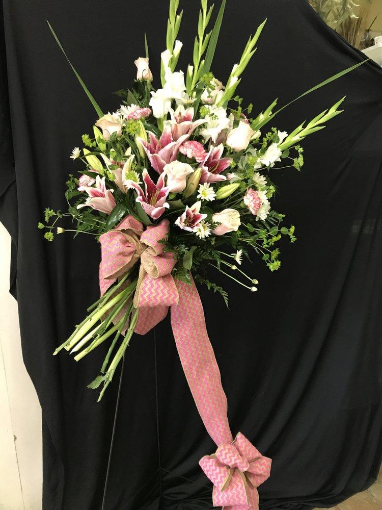 Sherwood Florist & Every Blooming Thing: 8212 Hwy 107, Sherwood, AR