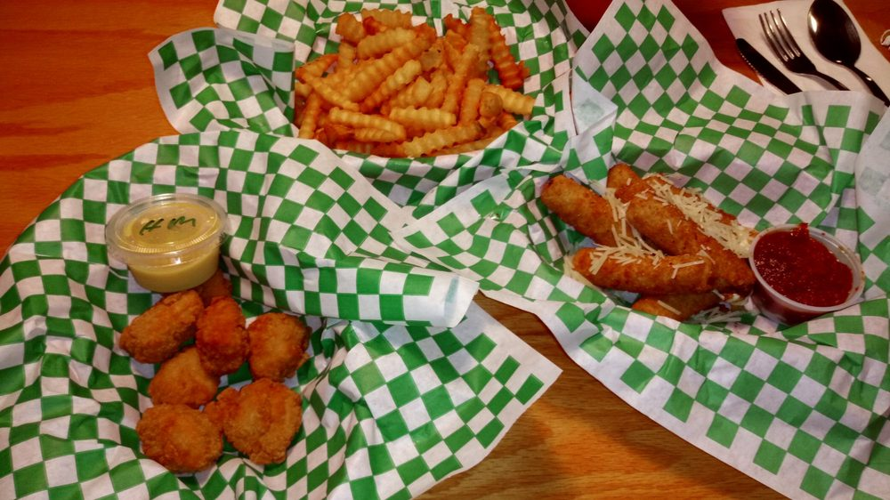 Center City Tavern: 782 South US Hwy 1, Vero Beach, FL