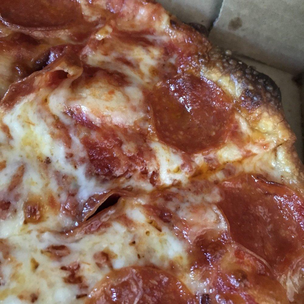 Congin's Pizza: 104 S St, Chardon, OH
