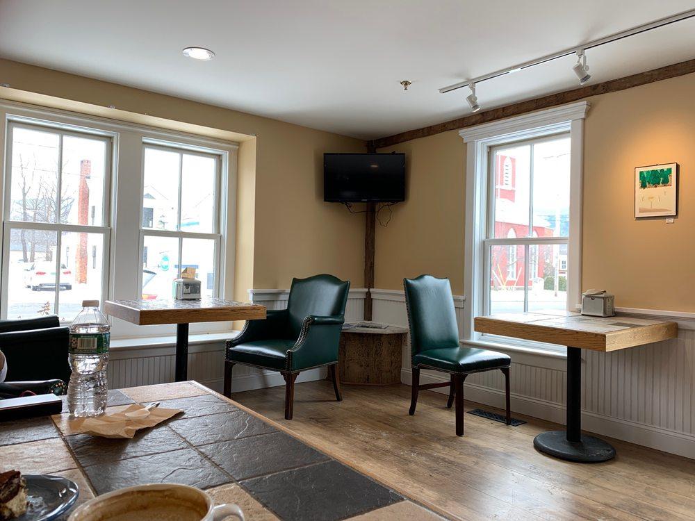 Charlie's Coffee House: 39 Bonnet St, Manchester, VT