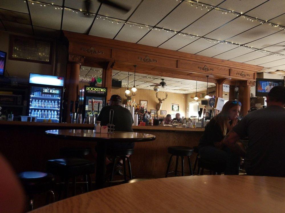 Bucknum's: 152 N Main St, Heppner, OR