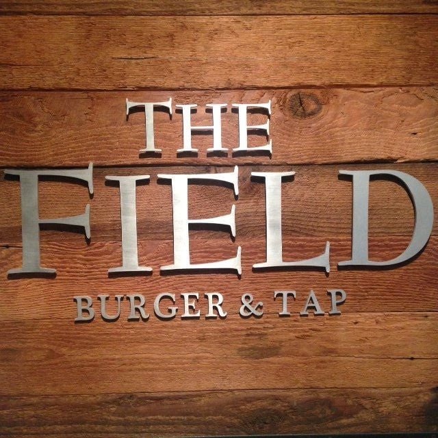 The Field Burger and Tap: 1 Country Club Ln, State College, PA