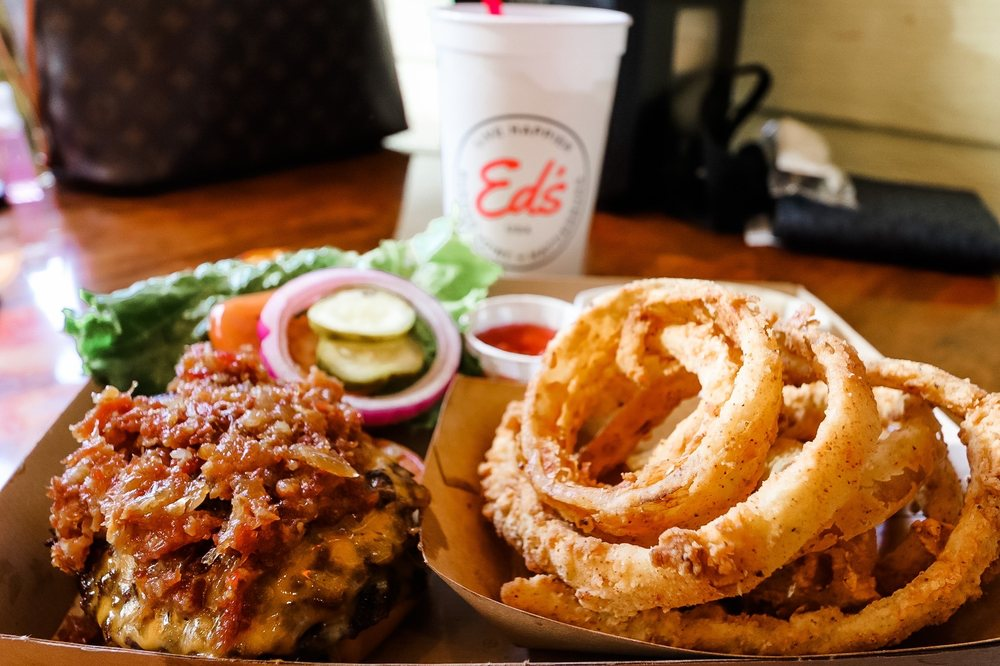 Ed's Burger Joint: 3800 Hardy St, Hattiesburg, MS
