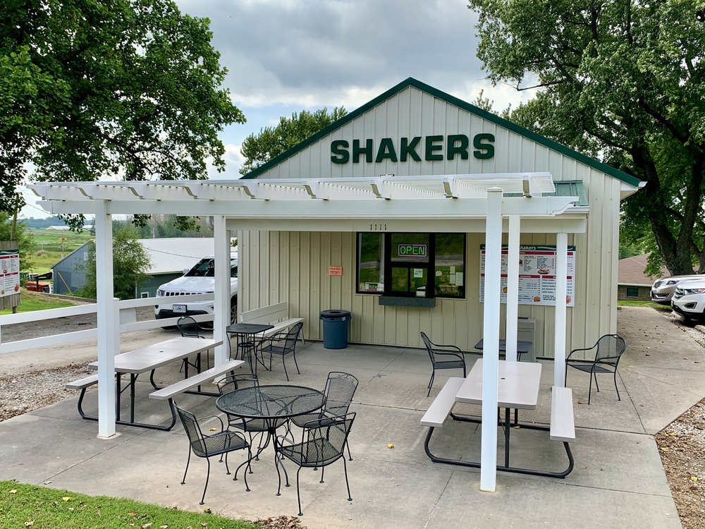 Shakers: 1111 State St, Mound City, MO
