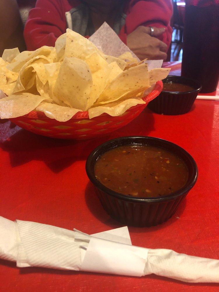 Jorge's Mexican Restaurent: 1406 N Jefferson Ave, Mount Pleasant, TX