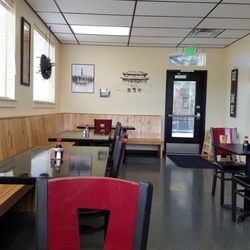 Photo Of Tsai S Kitchen Middleton Id United States Welcoming Interior Seats 27