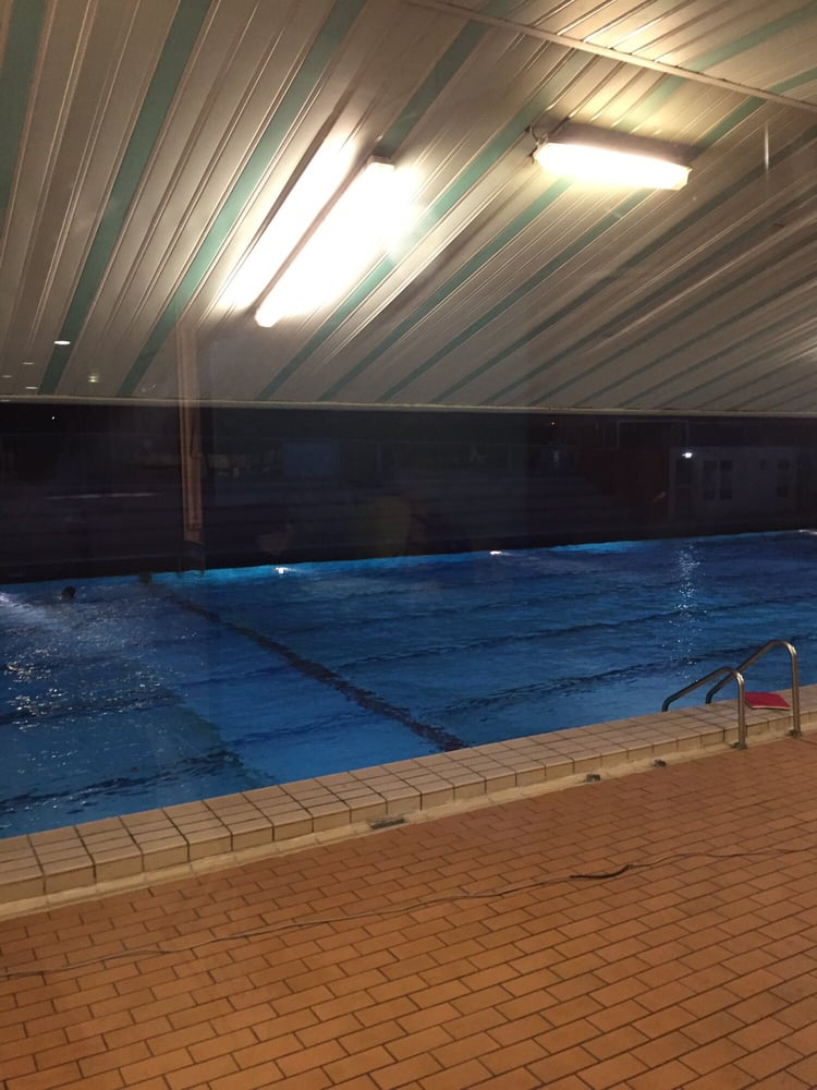 De nuit yelp for Piscine roger le gall nu