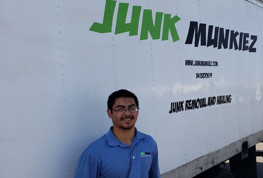 Junk Munkiez: 23360 Hall Rd, Cheshire, OR