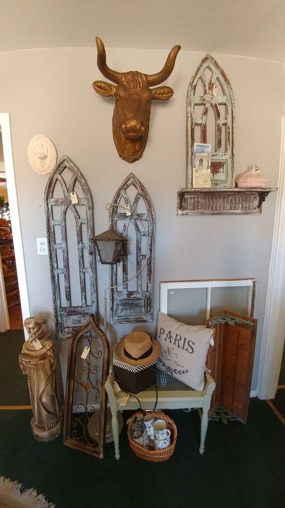 Vintage Revival: 300 St Francis Dr, Tularosa, NM
