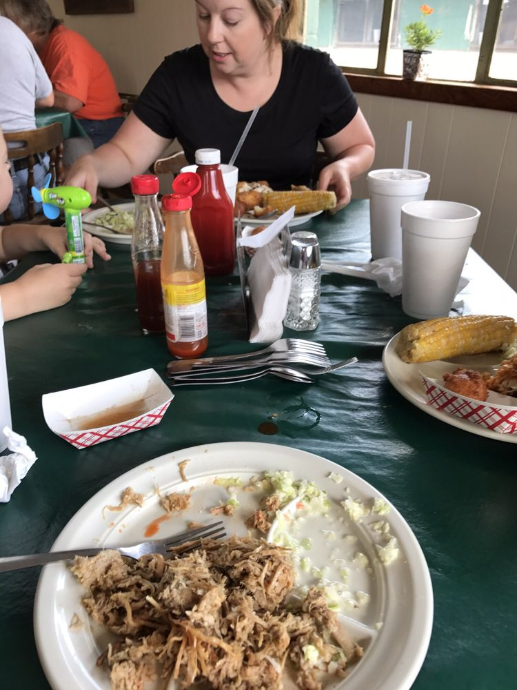 Photo of Bland's Barbecue: Warsaw, NC