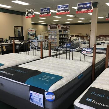 Mattress firm sports arena 21 photos 52 reviews beds for Mattress cleaning service san diego