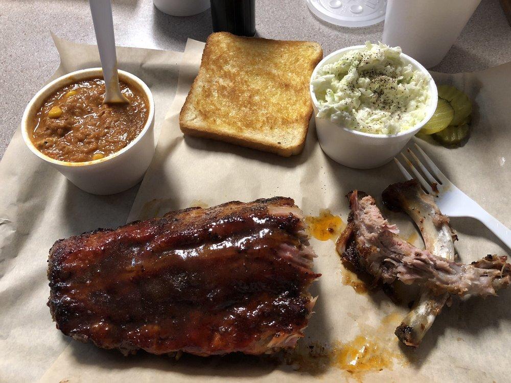 McMaster BBQ: 1 Main St, Senoia, GA