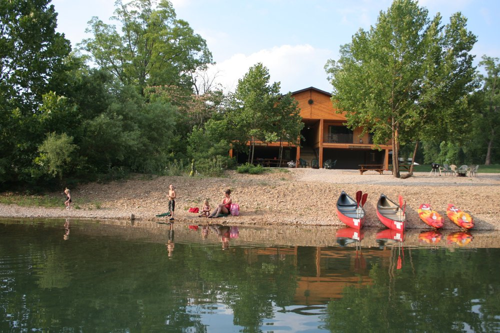 Rivers Edge Inn Resort: 501 N Main St, Eminence, MO
