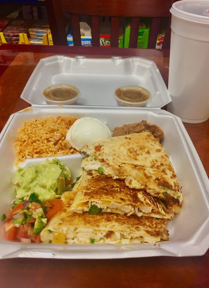 Paesano's Cafe: 5800 Granite Pkwy, Plano, TX