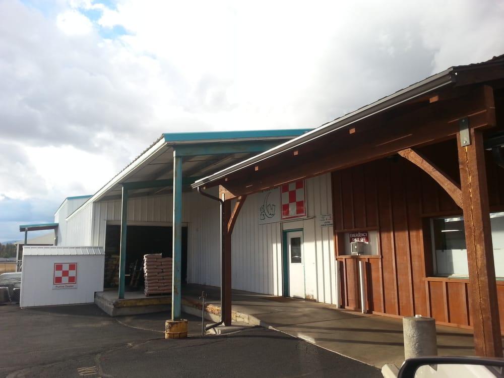 Inland Feed & Farm Supply: 220 S Main St, Deer Park, WA