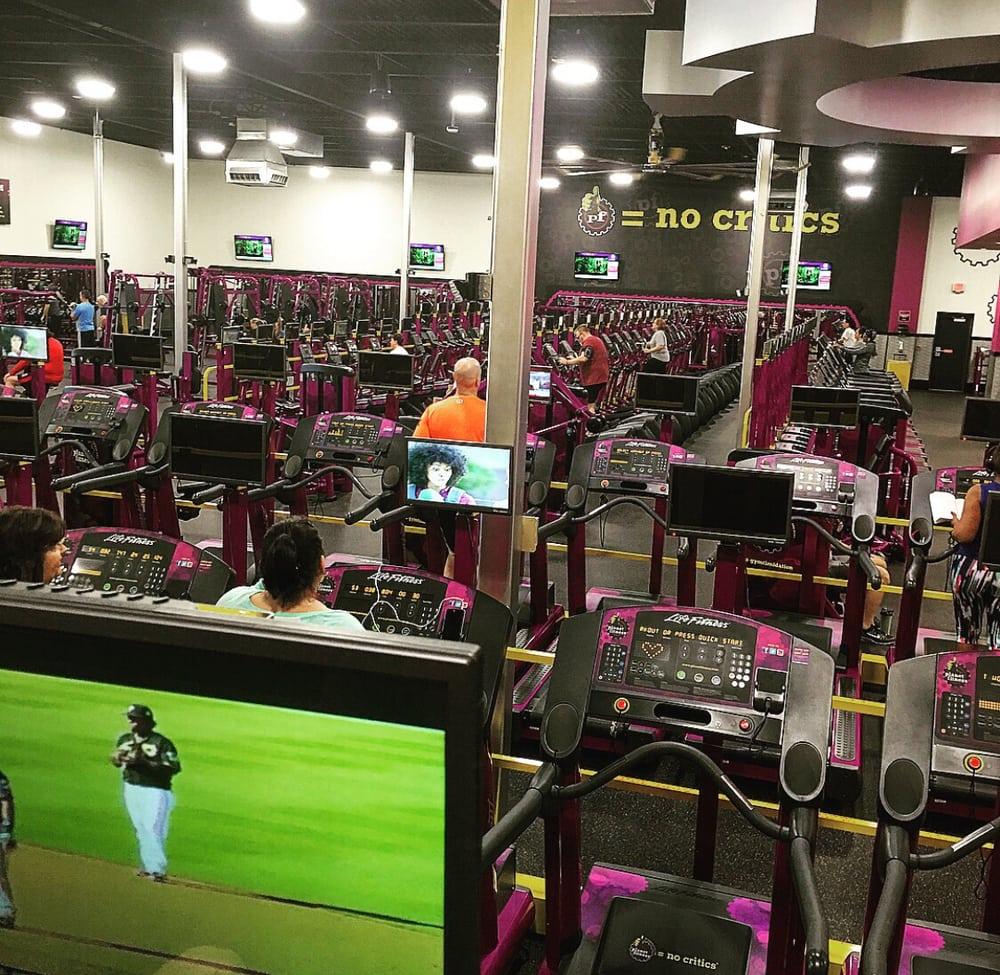 Planet Fitness - Wentzville: 99 Wentzville Bluffs Dr, Wentzville, MO