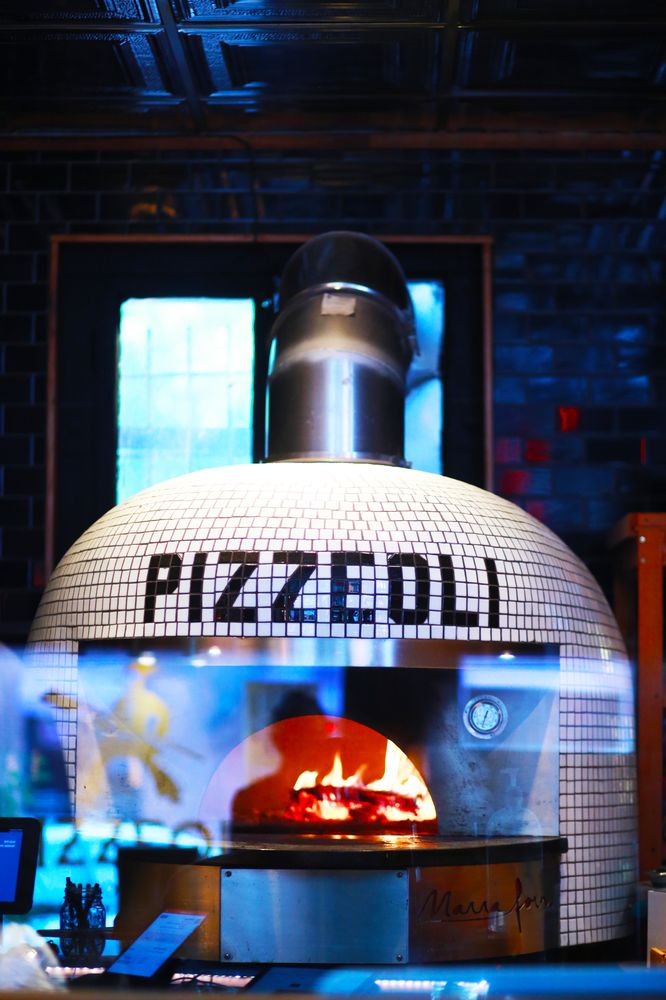 Social Spots from Pizzeoli Wood Fired Pizza
