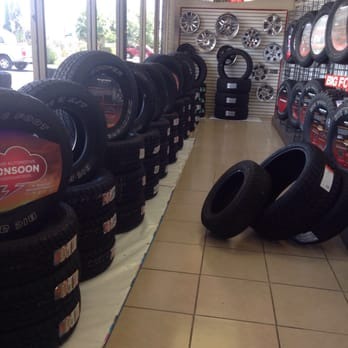 Big O Tire Stores 28 Reviews Tires 1669 N Wilmot Rd