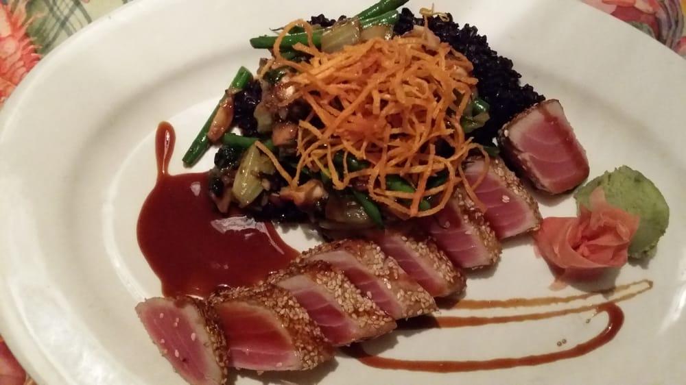 Sushi grade ali tuna delicious yelp for Sushi grade fish near me