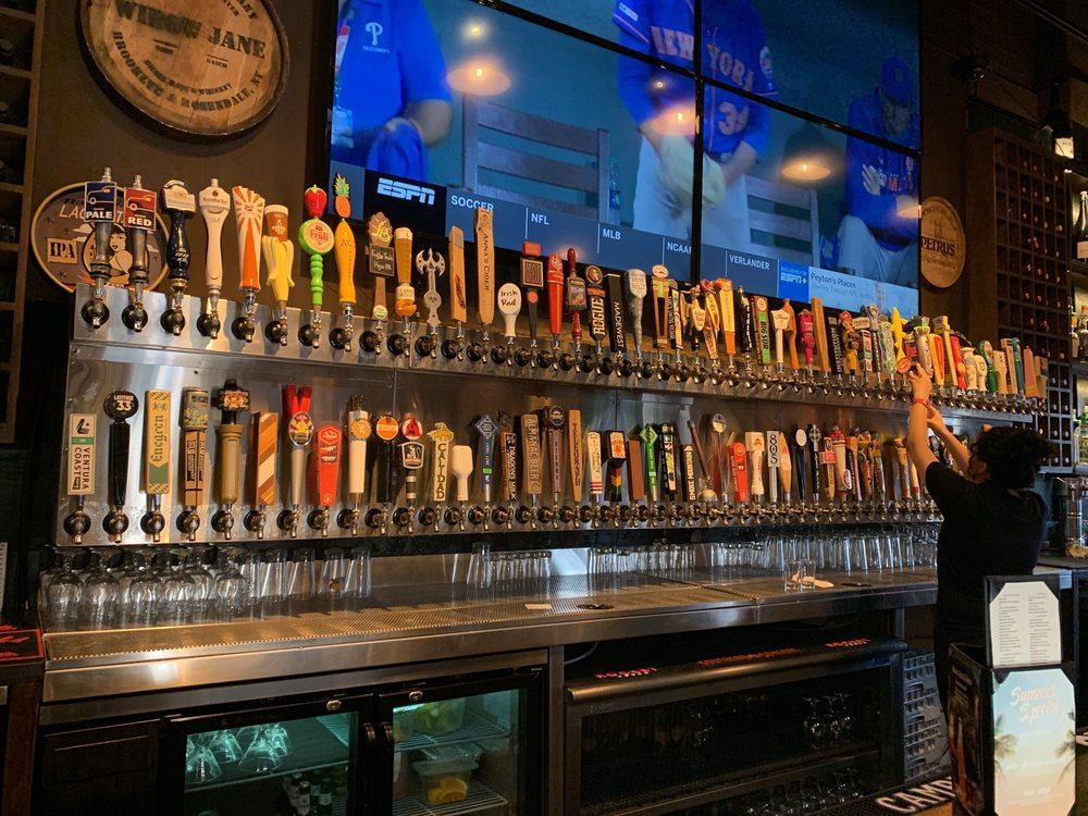 beer selection Barrelhouse 101