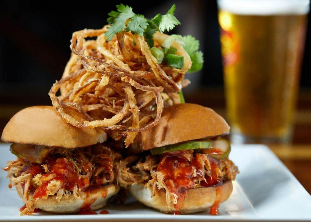 Opakapaka Grill and Bar: 5-7132 Kuhio Hwy, Hanalei, HI