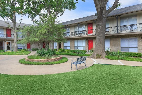 Harris Garden Apartments 550 8th Ave Fort Worth, TX Apartments ...