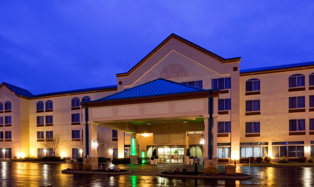 Holiday Inn Wausau-Rothschild: 1000 Imperial Ave, Rothschild, WI