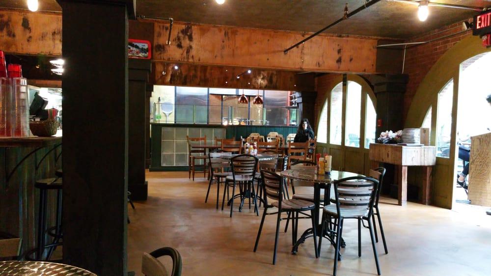 Slick Rock Grill: Hwy 139, Robbinsville, NC