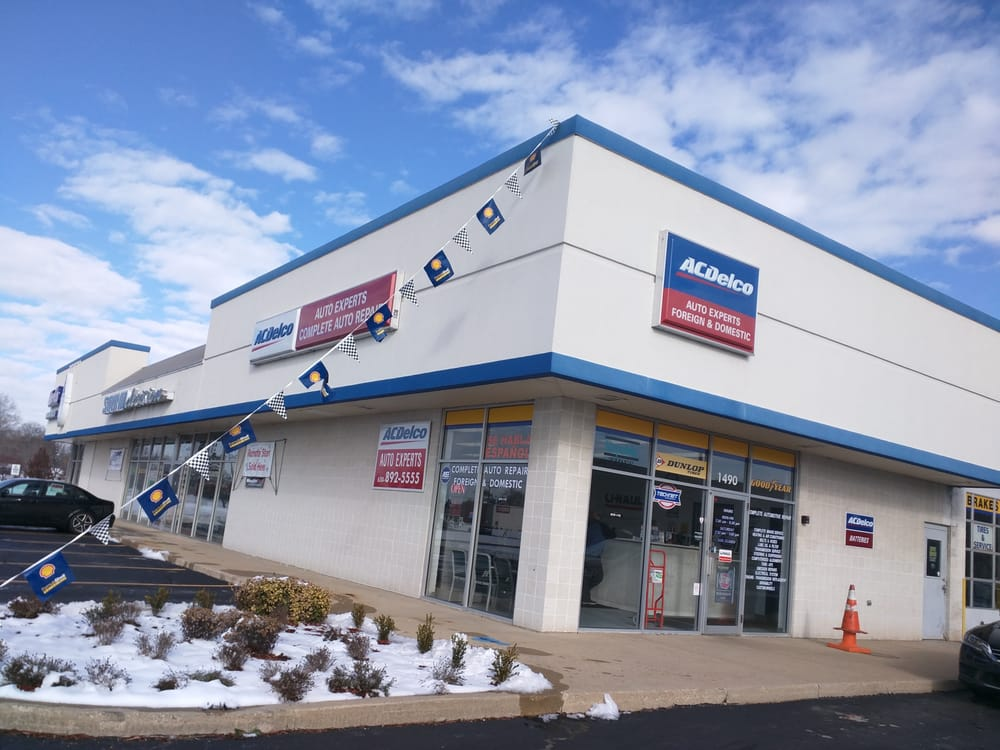 Auto Experts of Montgomery: 1490 Douglas Rd, Montgomery, IL