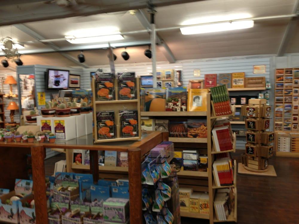 Furnace Creek General Store: Greenland Ranch Rd, Furnace Creek, CA