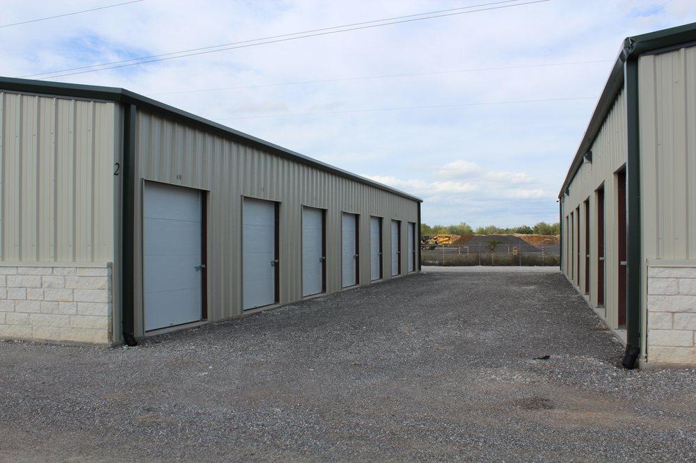 All Seasons Self Storage: 1400 Weatherford Hwy, Granbury, TX