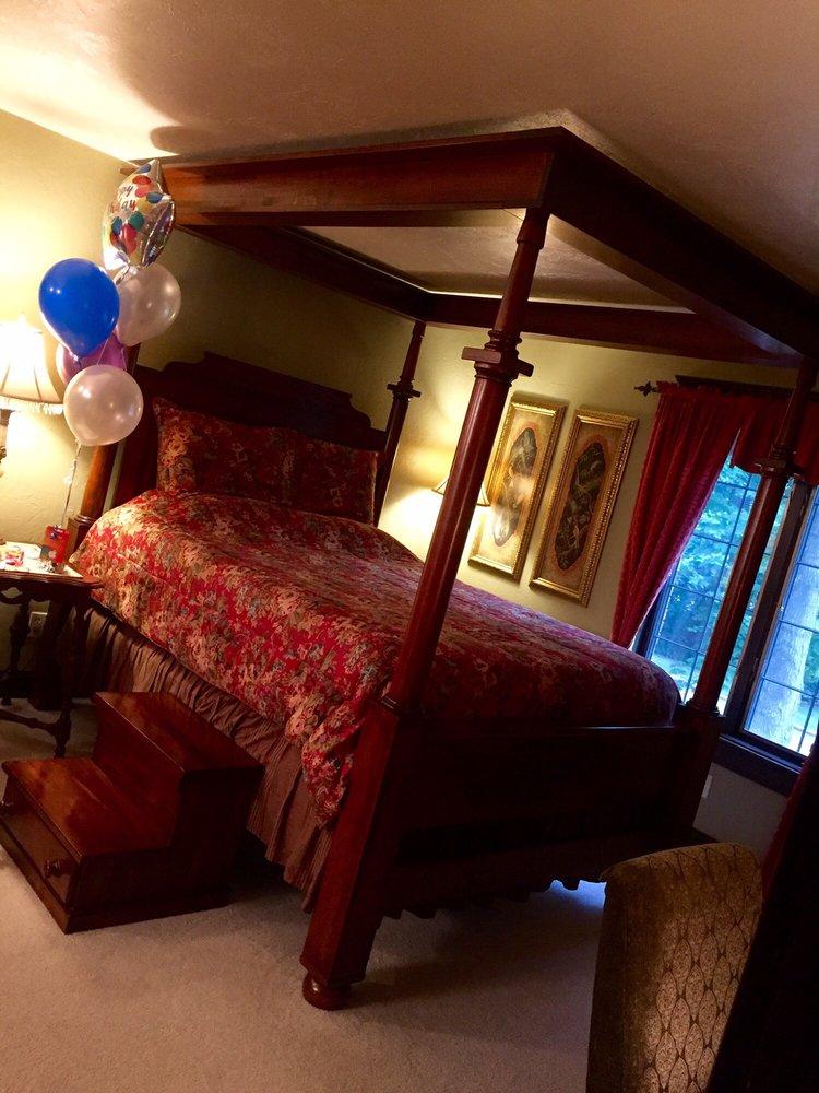 Roost Bed & Breakfast: 1900 S Lee St, Appleton, WI