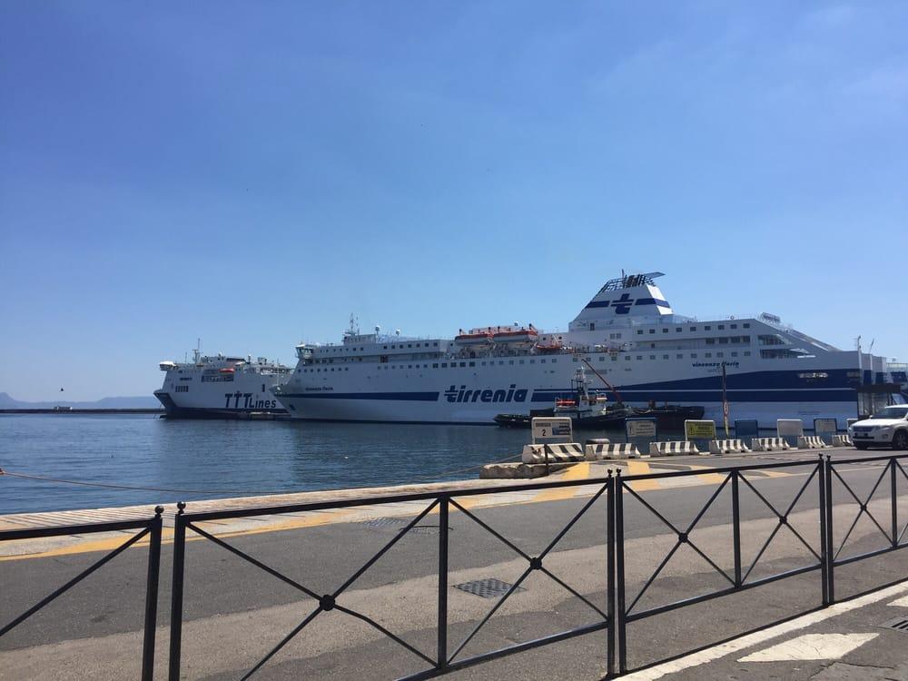 Stazione marittima calata porta massa ferries calata - Porta di massa napoli ...