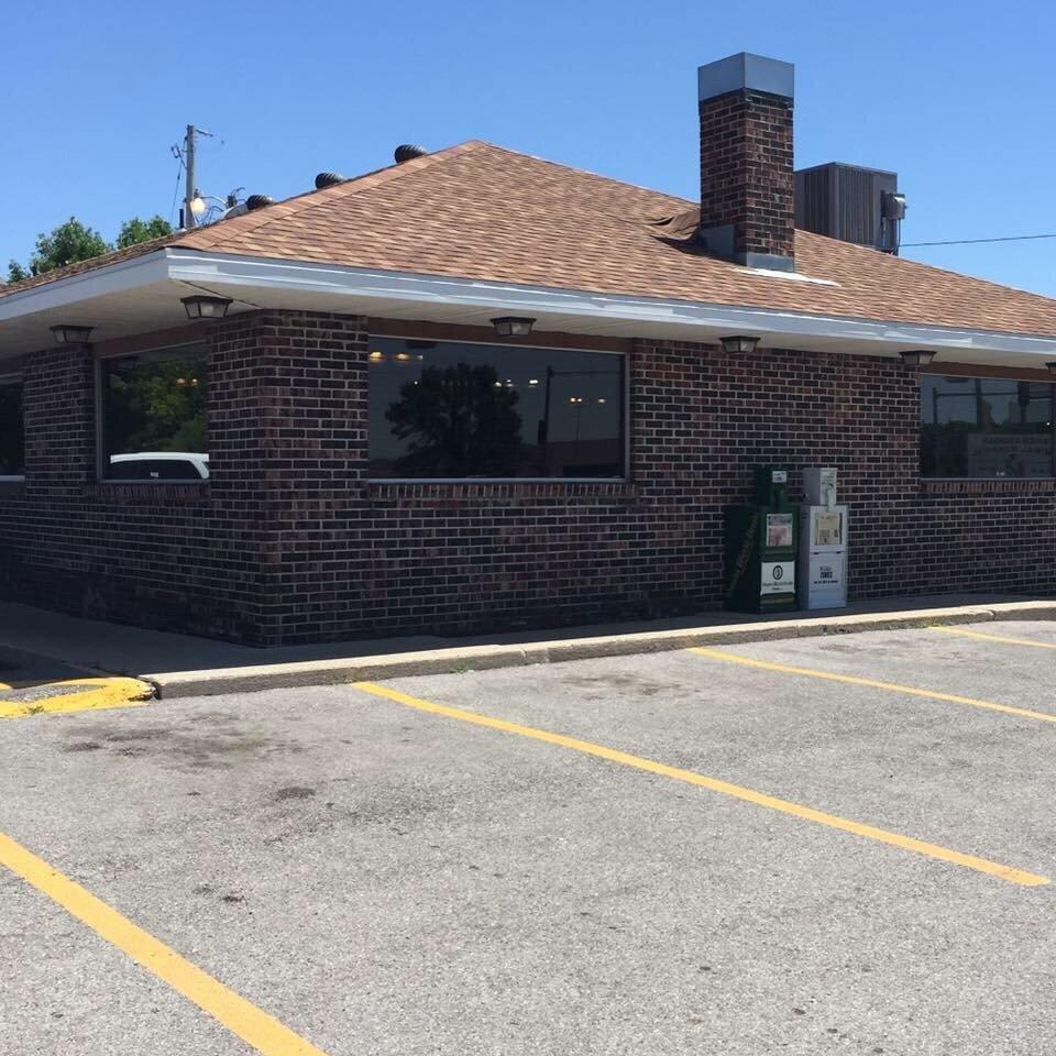 Mondo's Restaurant: 309 S Fremont St, Shenandoah, IA