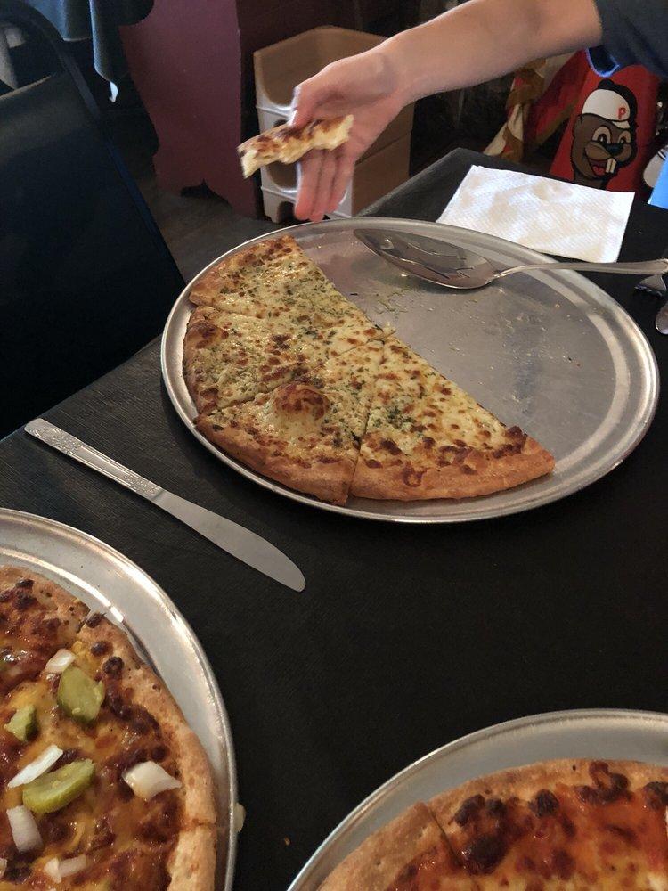 Laska Pizza: 405 N Main St, Punxsutawney, PA