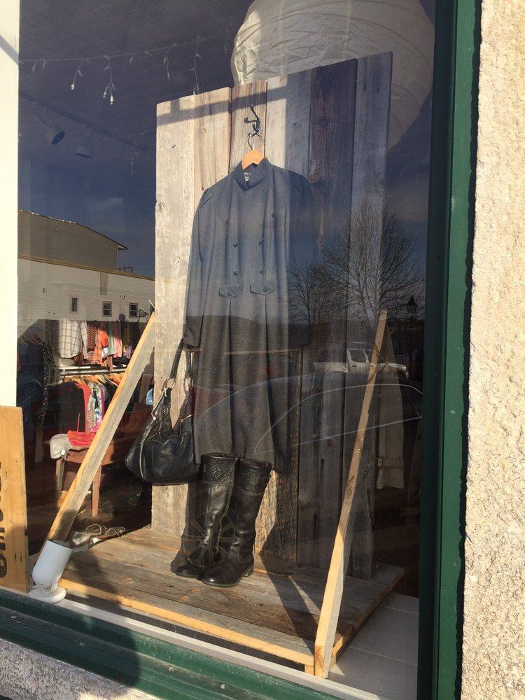 Justine Consignment Boutique: 50 Main St, Belfast, ME
