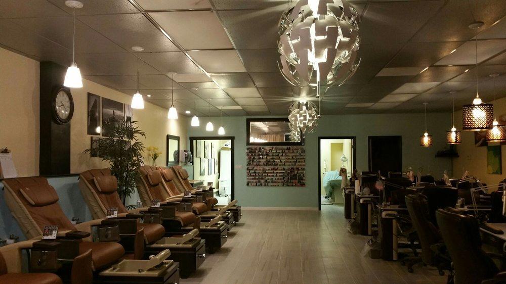 Nails design: 855 Redwood St, Vallejo, CA