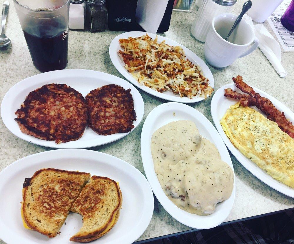 Beaufort Cafe: 817 Cedar St, Beaufort, NC