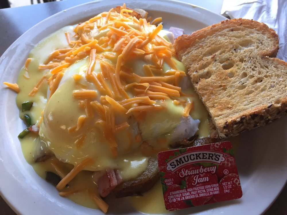Bridgets Cafe: 365 S Main St, Zumbrota, MN