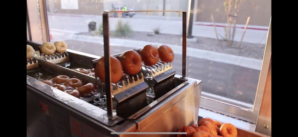 Biddy B's Mini Donut Factory: 11712 Research Blvd, Austin, TX