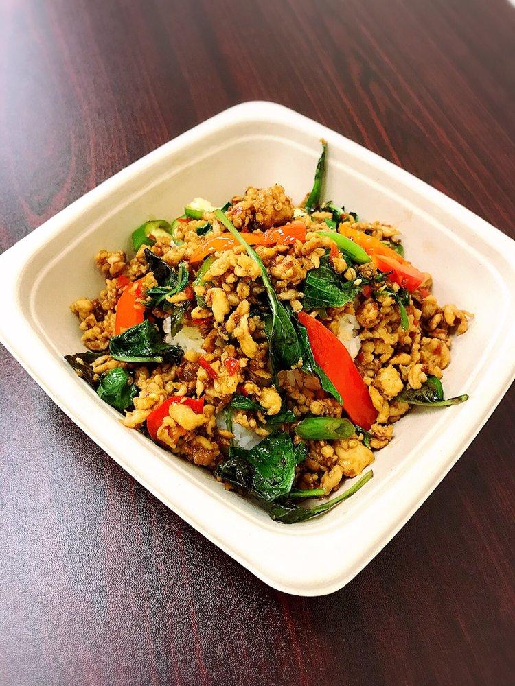 Patama Thai Kitchen: 101 S Maple Ave, Purcellville, VA