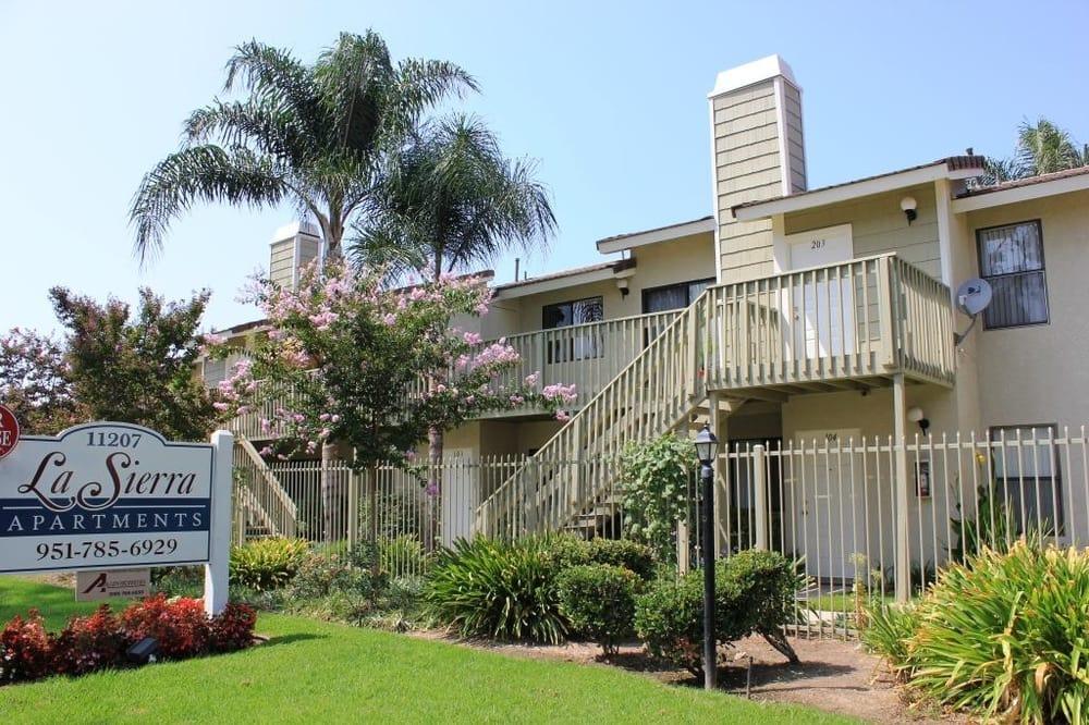 La Sierra Apartments Apartments 11207 Magnolia Ave Riverside Ca Phone Number Yelp