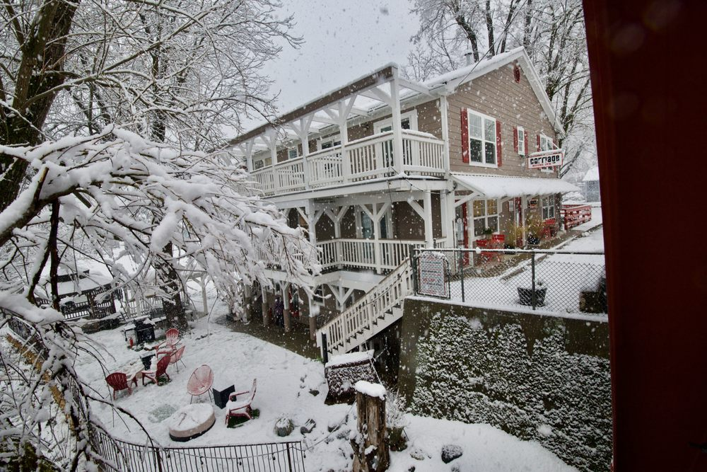 Carriage House Inn: 110 Commercial, Downieville, CA