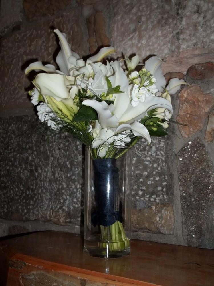 Showers of Flowers: 324 Hwy 39, Ingram, TX