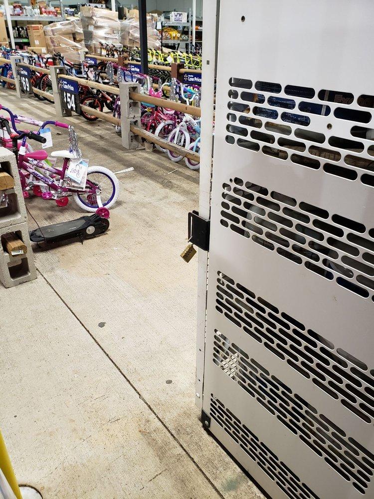 Walmart Supercenter: 2700 US Hwy 281, Marble Falls, TX