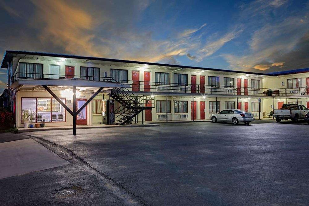Knights Inn Big Spring: 1000 W. 4Th St., Big Spring, TX