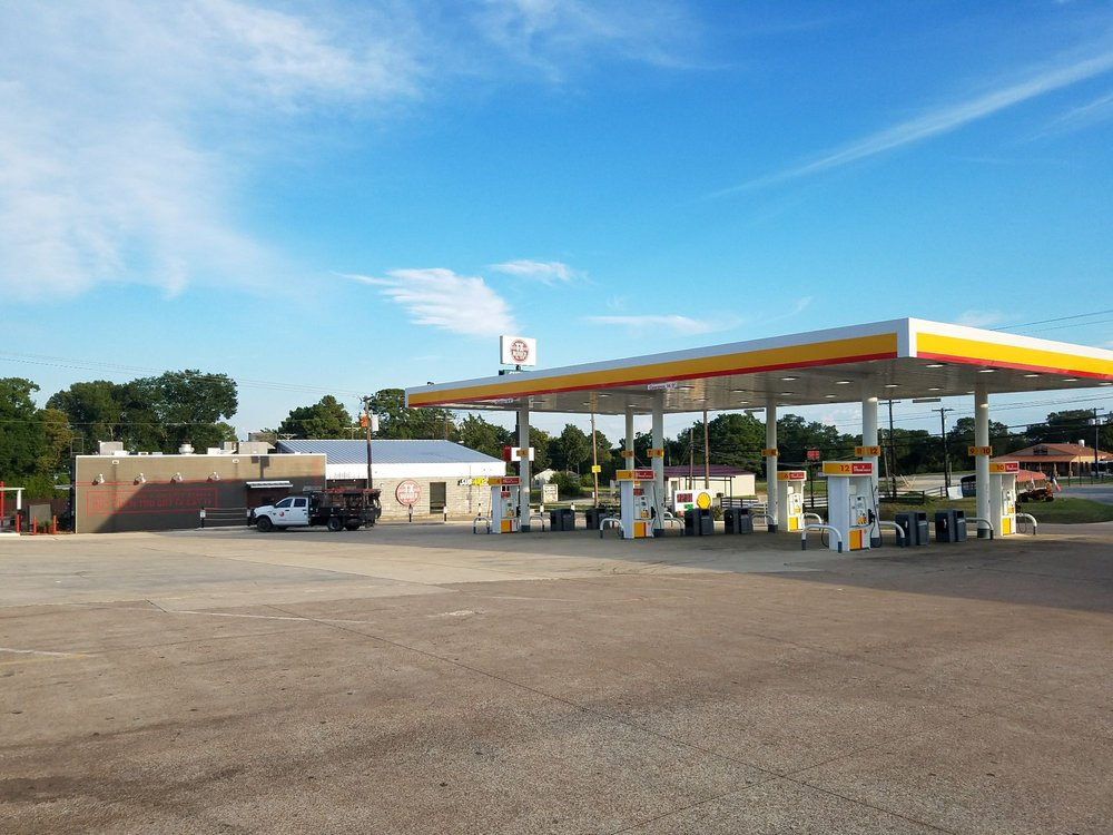Exxon/Shell: Interstate 45 Frontage Rd, Centerville, TX