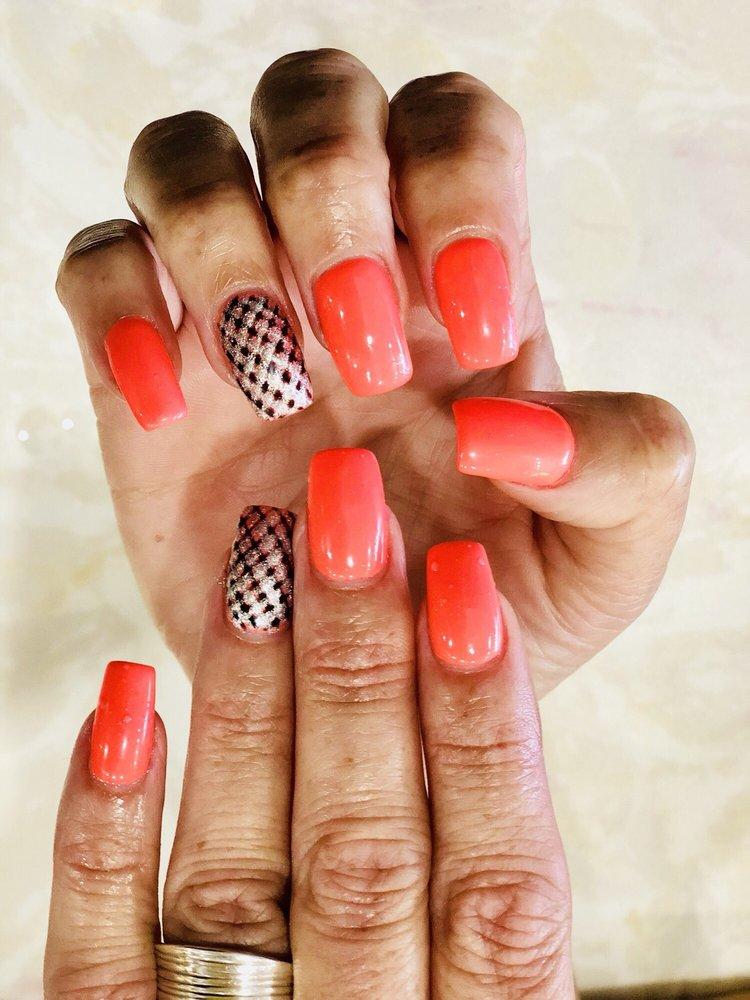 Deja Vu Nails & Spa: 43761 Parkhurst Plz, Ashburn, VA