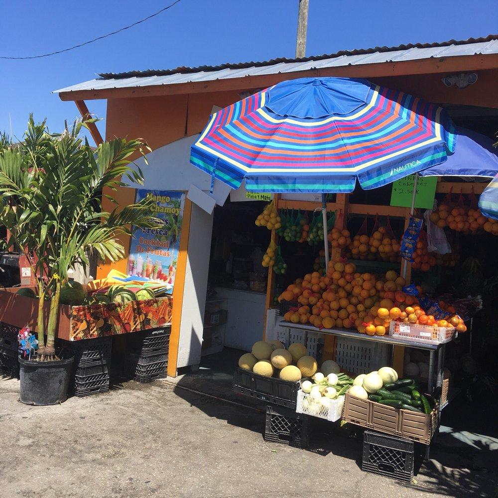 Immokalee State Farmers Market: 424 New Market Rd E, Immokalee, FL