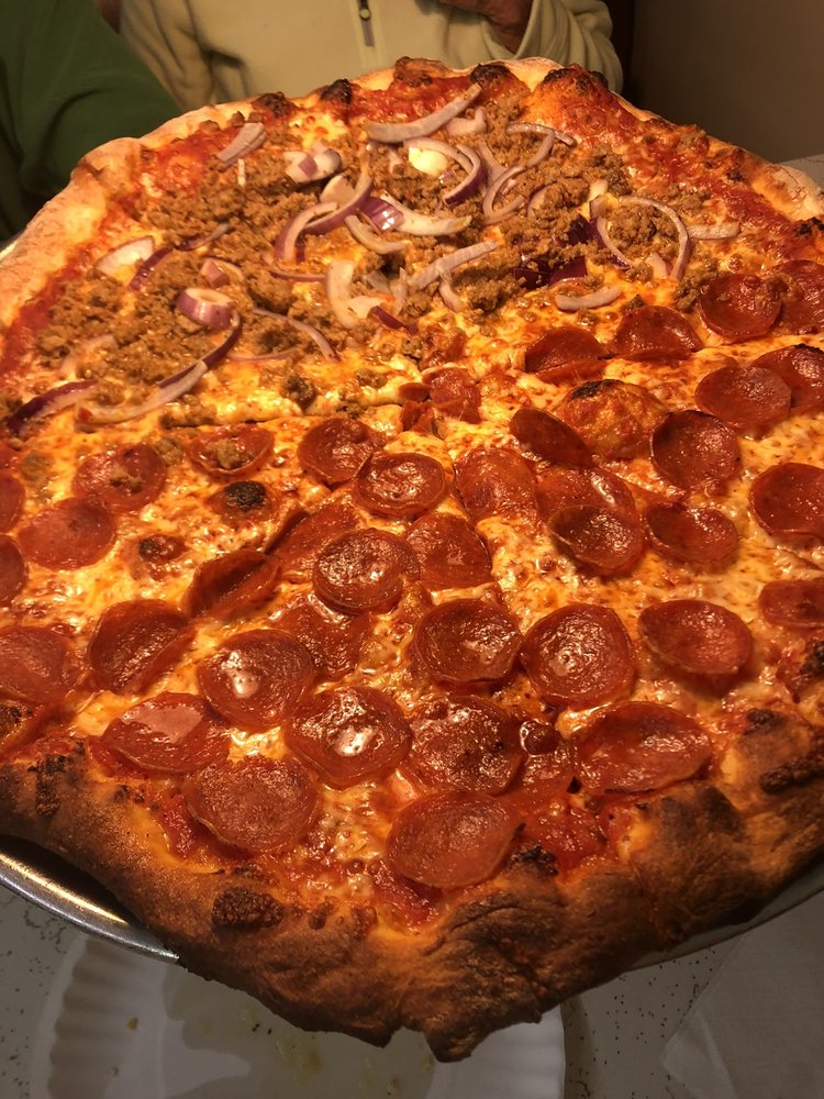 Cucinella's Brick Oven Pizzeria: 202 SW Rutledge St, Madison, FL